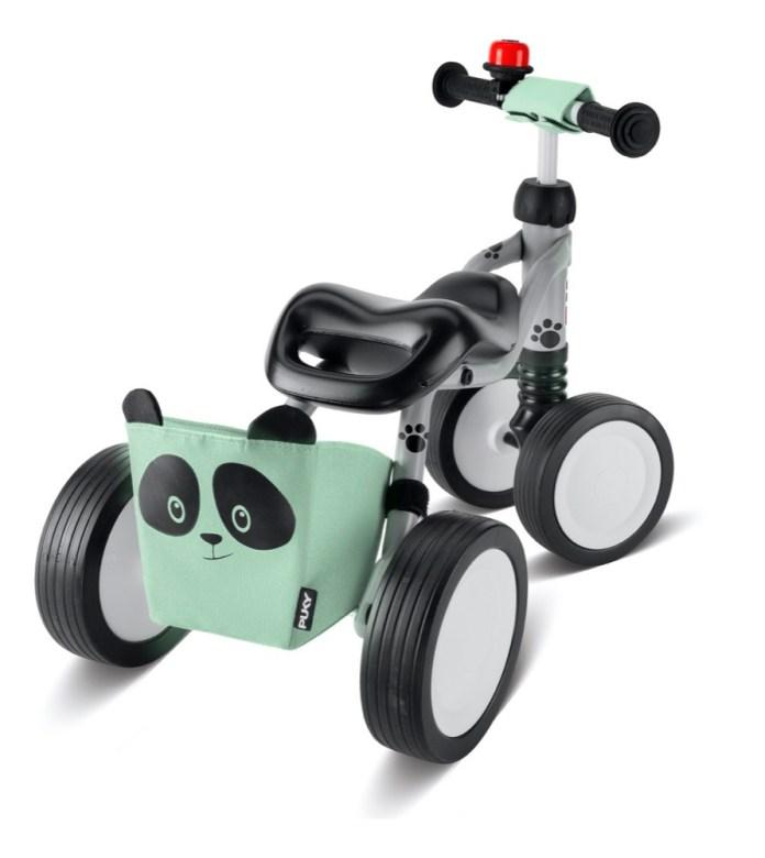 """Der """"Wutsch Panda"""" von Puky hat einen süßen Korb mit Pandamotiv, in dem auch die Spielzeuge unterwegs ihren Platz finden."""