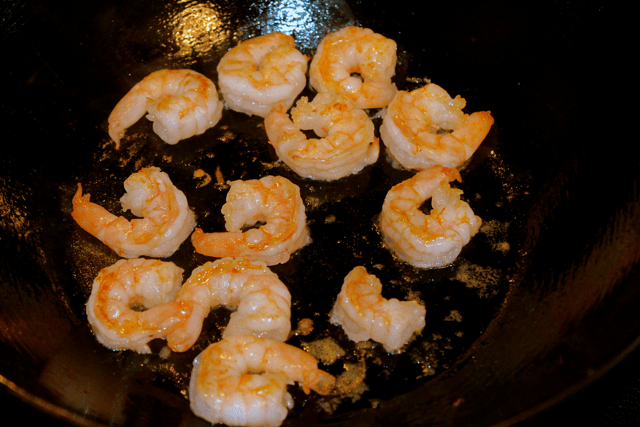 shrimp in wok