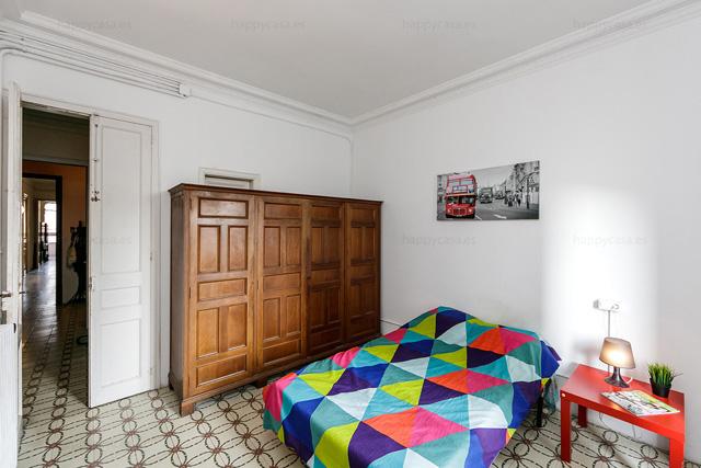 Barcelone chambre avec lit double et internet dans appart erasmus pas cher