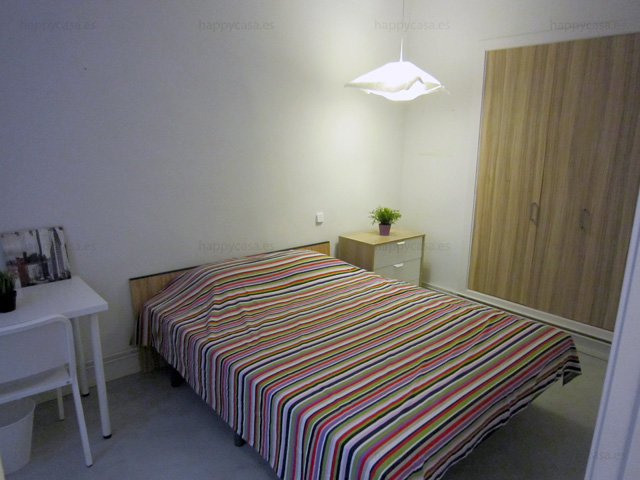 students double room barcelona with big bed