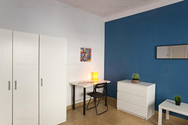 Piso de 6 habitaciones alquilar habitación en Barcelona Happycasa