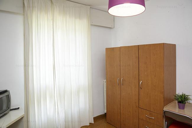 Barcelone chambre double lumineuse appartement à partager