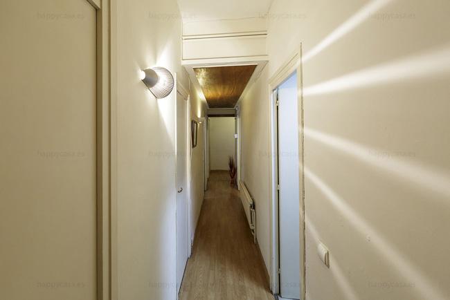 Habitación en alquiler Barcelona pasillo cerca Avenida Diagonal