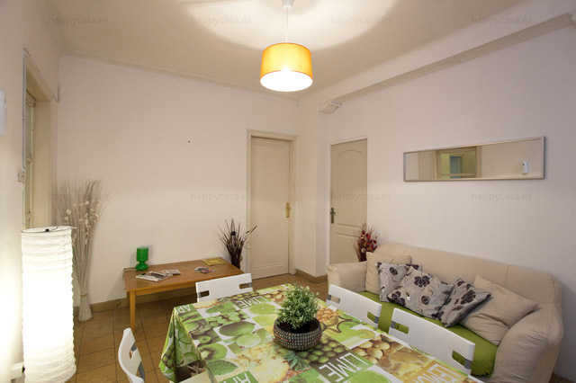Habitación en apartamento compartido con salón Barcelona