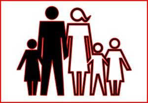 Qui de la famille des salariés bénéficie des activités sociales et culturelles ?