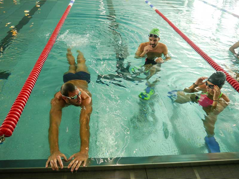 Cours de natation avec alain bernard happy city for Piscine alain bernard