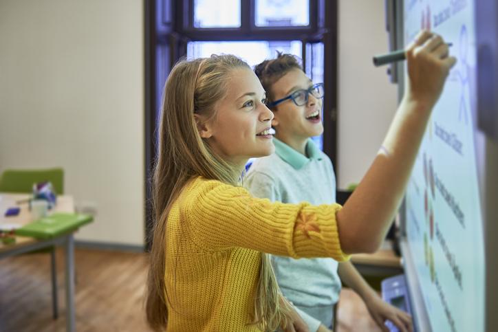 Como as crianças podem aprender programação de uma forma lúdica?