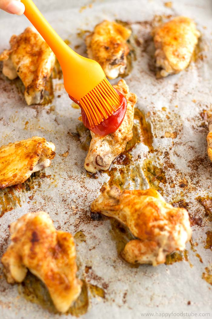 Easy Oven Baked Sweet and Spicy Sticky Chicken Wings Step by Step 3   happyfoodstube.com