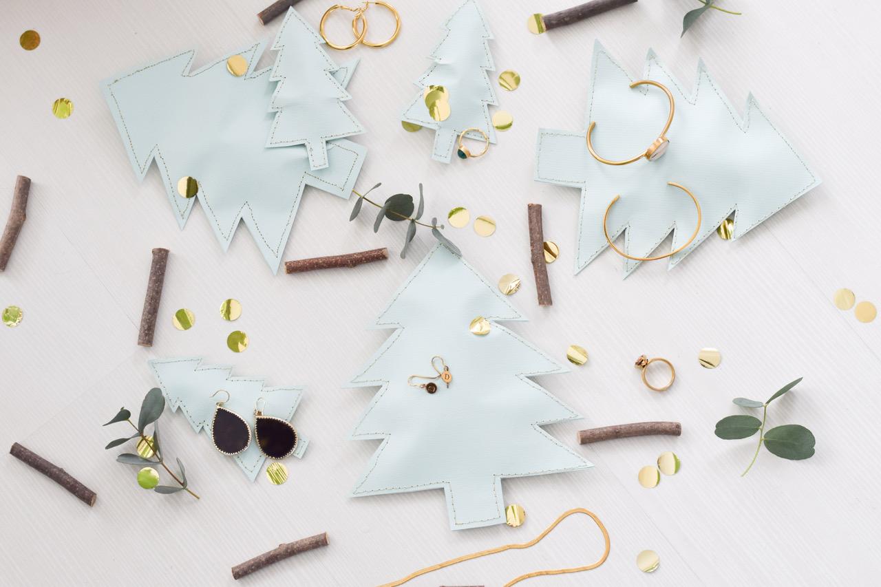 Feestelijke kerstboomverpakking naaien