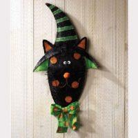 Scarecrow with Rosy Cheeks Halloween Door Decoration ...
