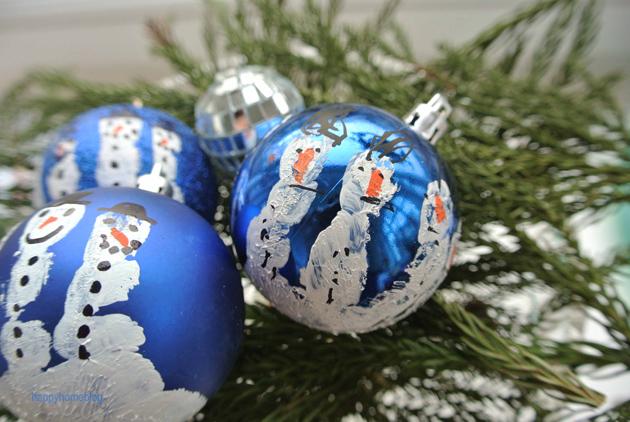 Weihnachtskugeln mit handabdruck happyhomeblog - Weihnachtskugeln selbst gestalten ...
