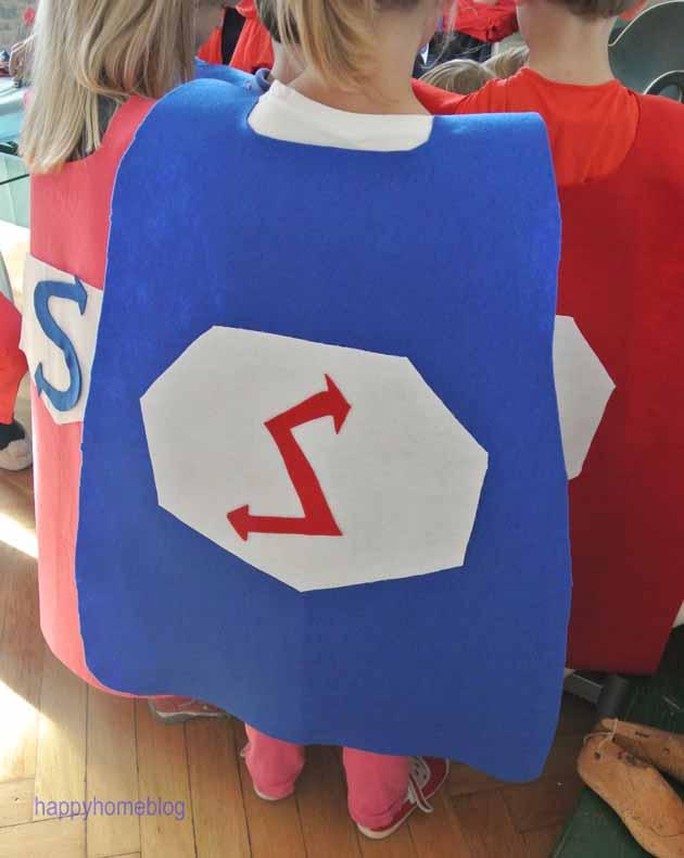Umhang Für Superhelden Selbstgemacht Gebastelt DIY Aus Filz Superman  Spiderman Happyhomeblog