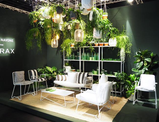 Paola Pavone für Serax, Wunderschöne Gartenmöbel mit Grünpflanzen Installation an der Decke