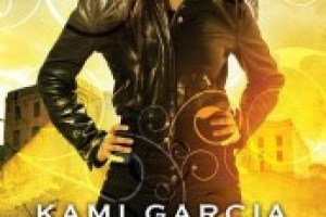 ARC Review: Unbreakable by Kami Garcia Review – Supernatural Meets Teen Melodrama