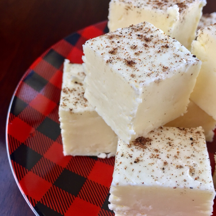 Easy Eggnog Fudge