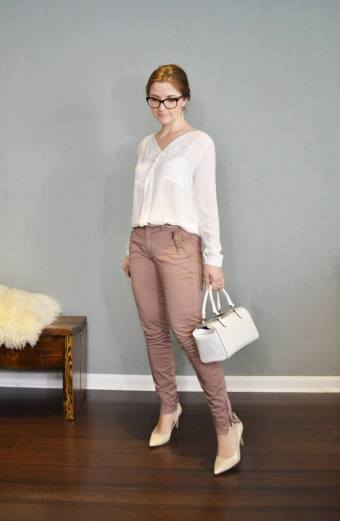 summer capsule wardrobe challenge. white top and mauve pants
