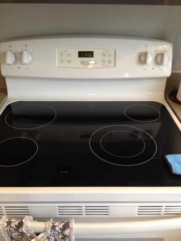 YAY!! Celebrate that your stove is so clean and you had so much fun cleaning t with this easy tutorial!!