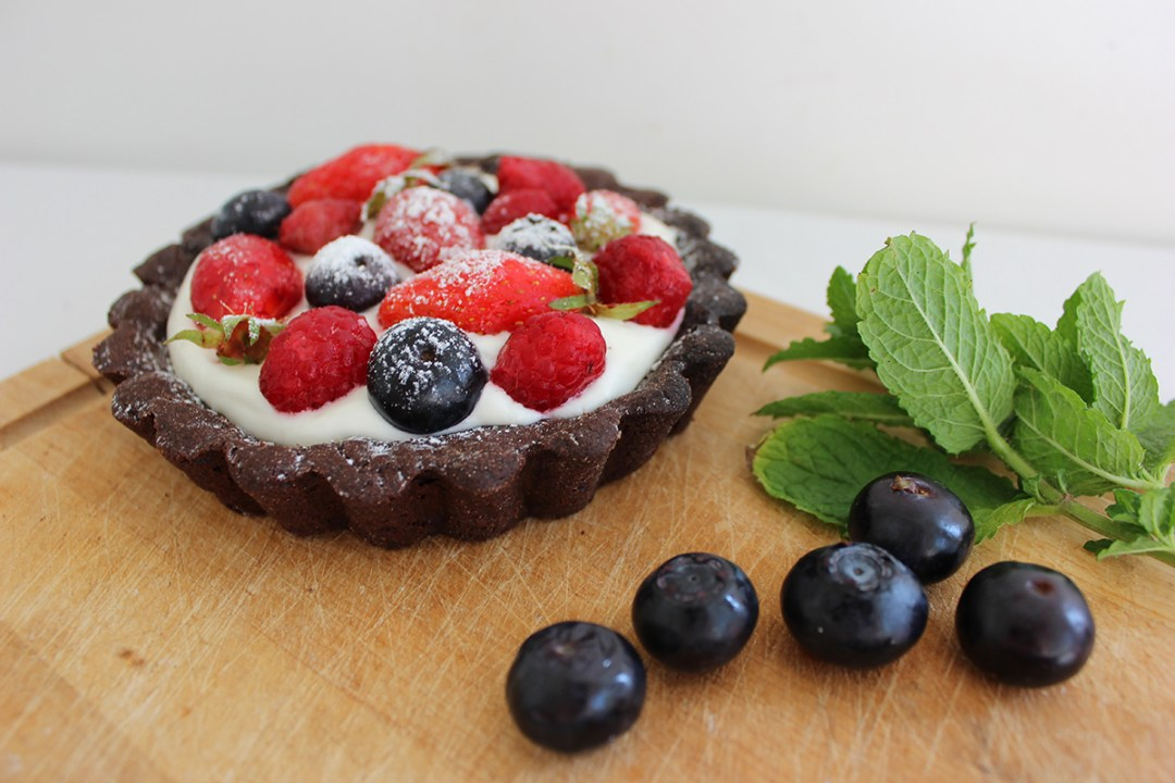 Food-tarte-chantilly-fruits-rouges-copyright-happynewgreen-5