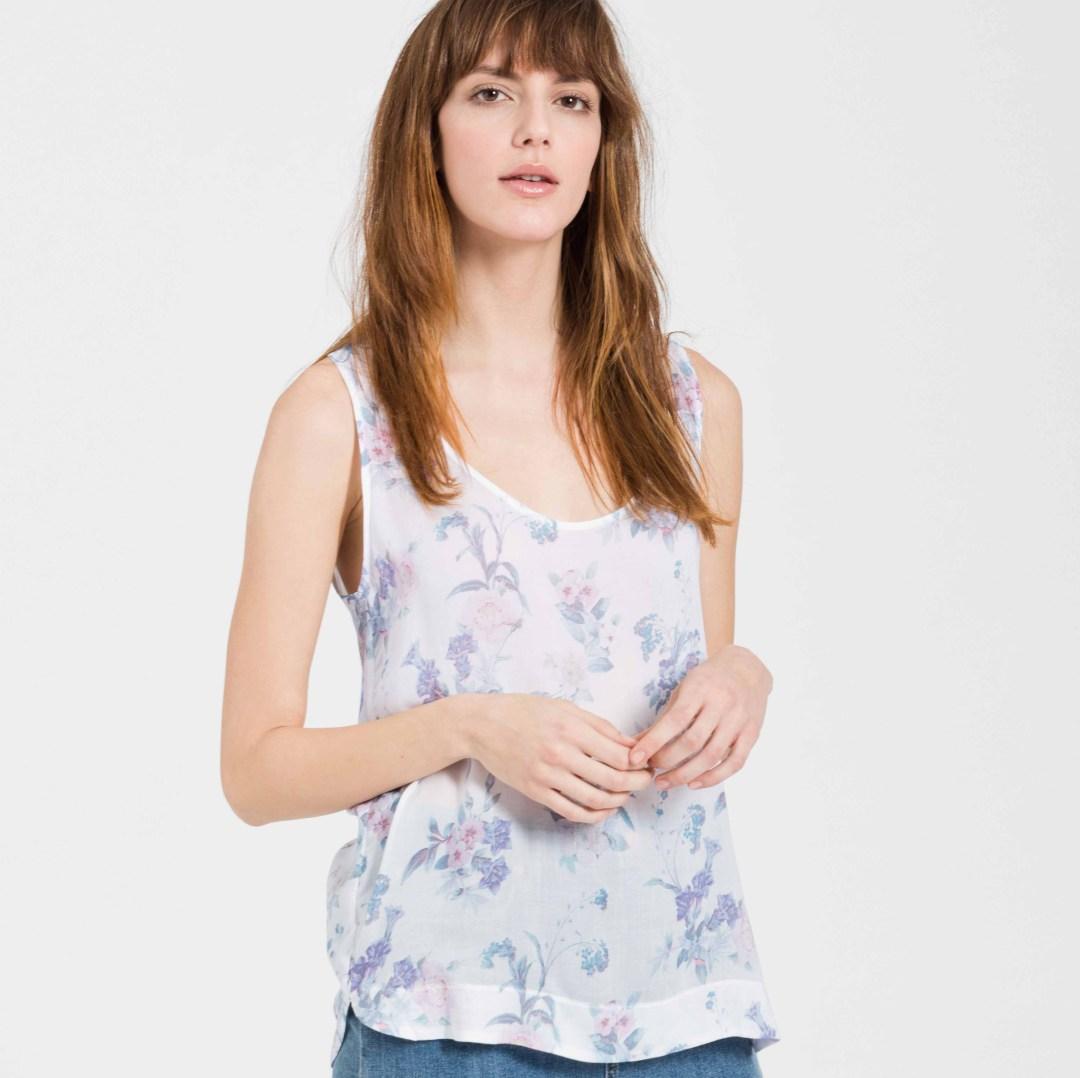 ARMEDANGELS_Clarisse-pastelflowers-offwhite_Model