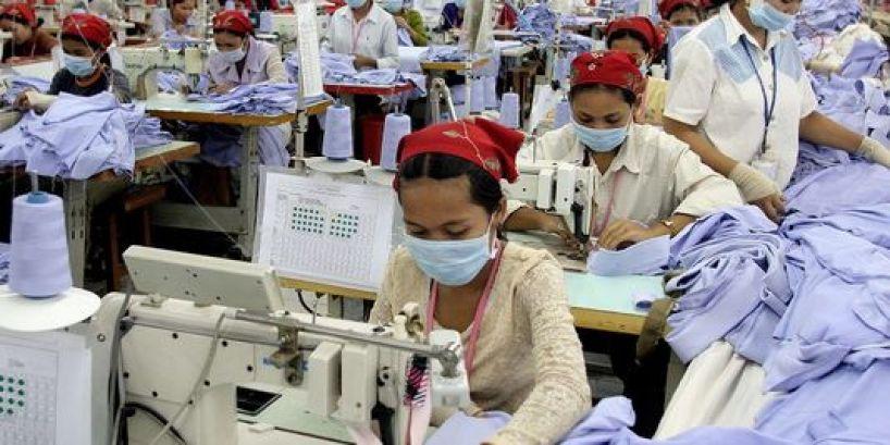 3253655_3_92b0_dans-une-usine-textile-de-phnom-penh-au_693e8ee75c6cc4407007e2f31ecab81f
