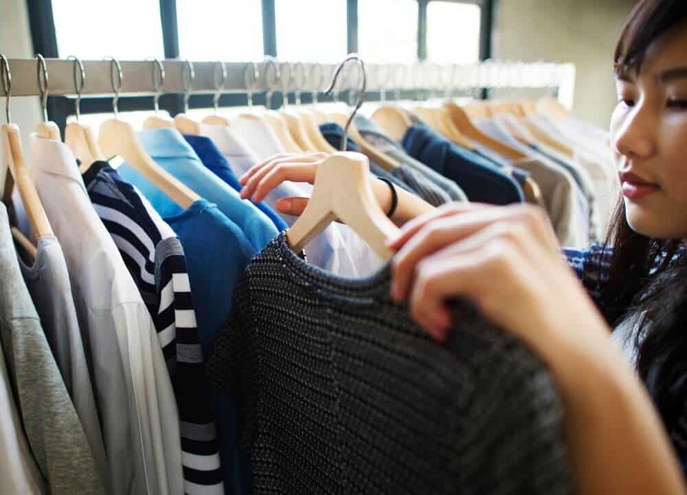 Declutter Your Closet | More Family Time | Free Activities to do Instead of Shopping | Shopping Addiction | Save Money