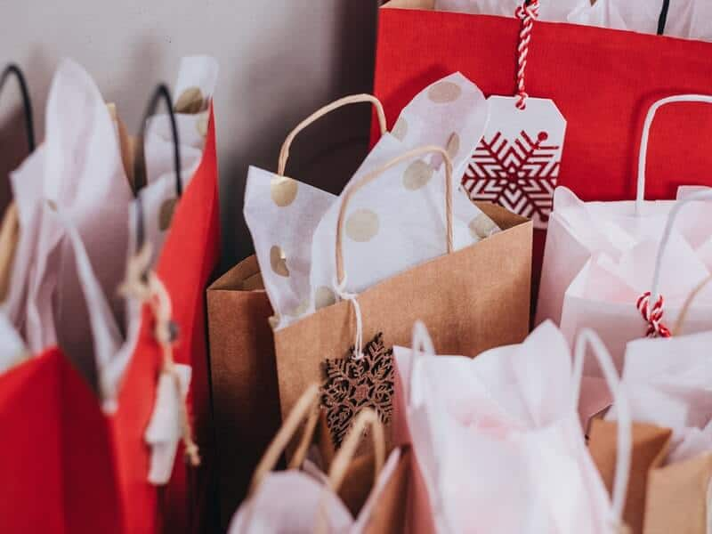 Make a reasonable Christmas budget to survive Christmas on a budget this year.