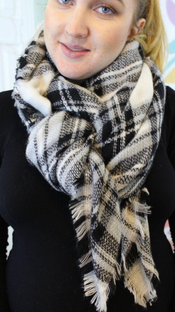 How to tie a blanket scarf 10 ways. Video tutorial included!