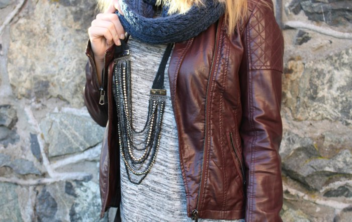 How to style a burgundy leather jacket for fall - Happy Stylish Fit