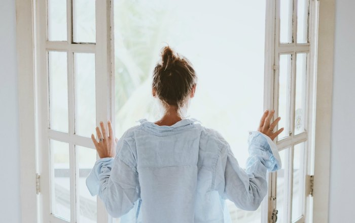 Incorporate these 10 morning routine tips to start your day relaxed, centered, and ready to take on the day.