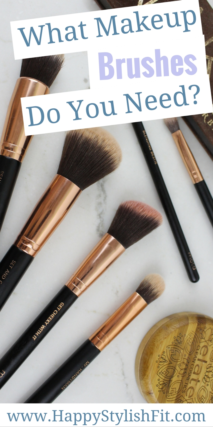 Makeup brush 101 - Learn the basic makeup brush essentials you should have in your makeup bag to complete a full makeup look.