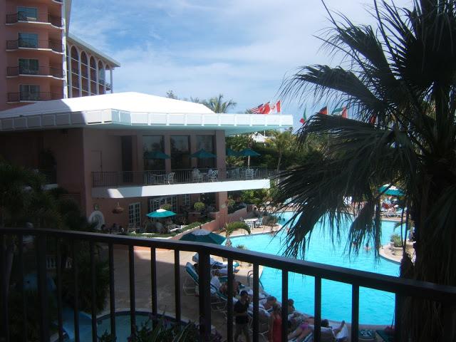 Fairmont Southampton Hotel pool