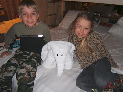 kids with elephant towel animal