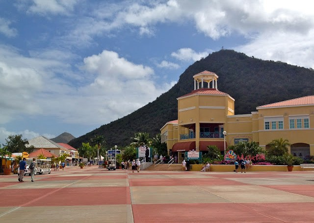 Cruise center in St Maarten