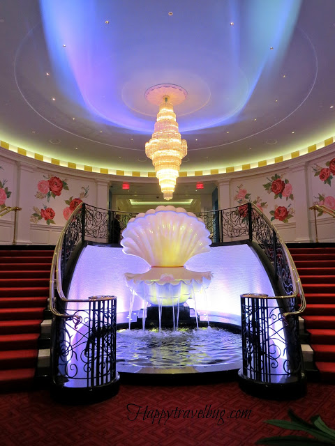 The Casino clamshell fountain