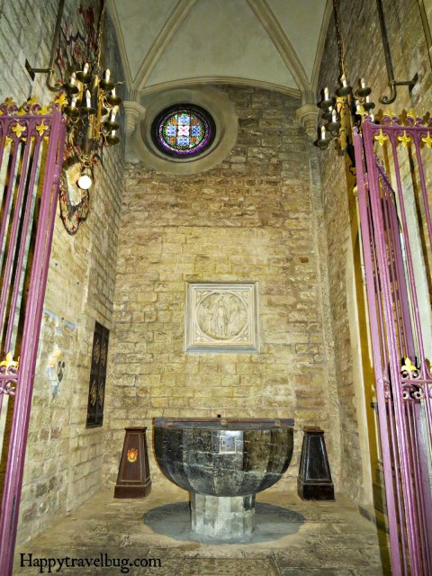The baptismal fount in The Basilica Santa Maria del Pi