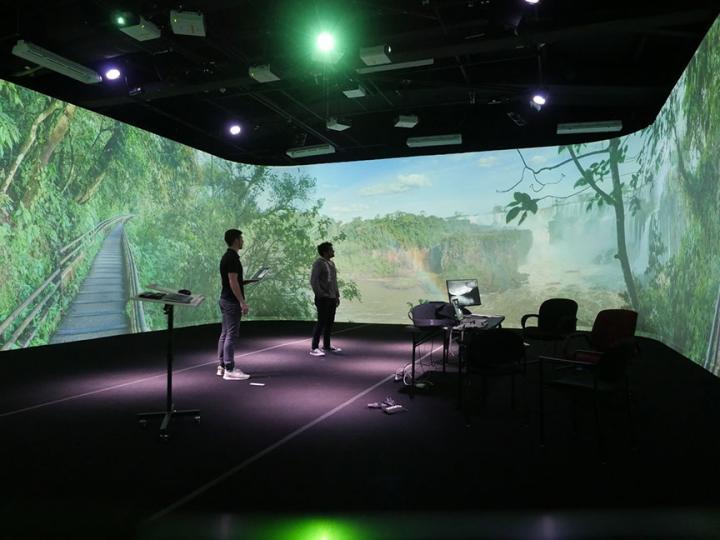 New modes of immersive virtual environments - Haptic