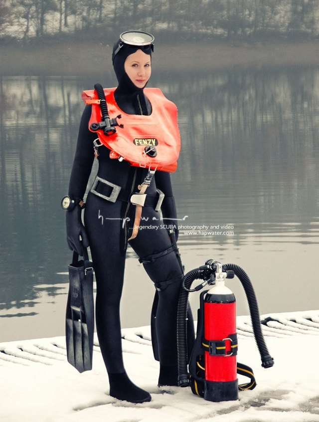 Frogwoman Anna in her ScubaPro drysuit getting cold