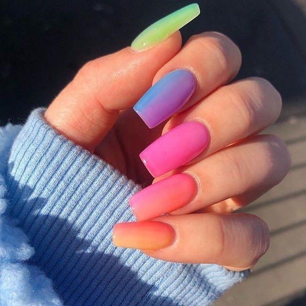 diseños de uñas decoradas - uñas arcoiris rainbow - perfect nails