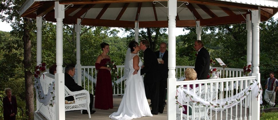 Romantic Wedding Elopement Packages Near Lake Of The Ozarks Missouri
