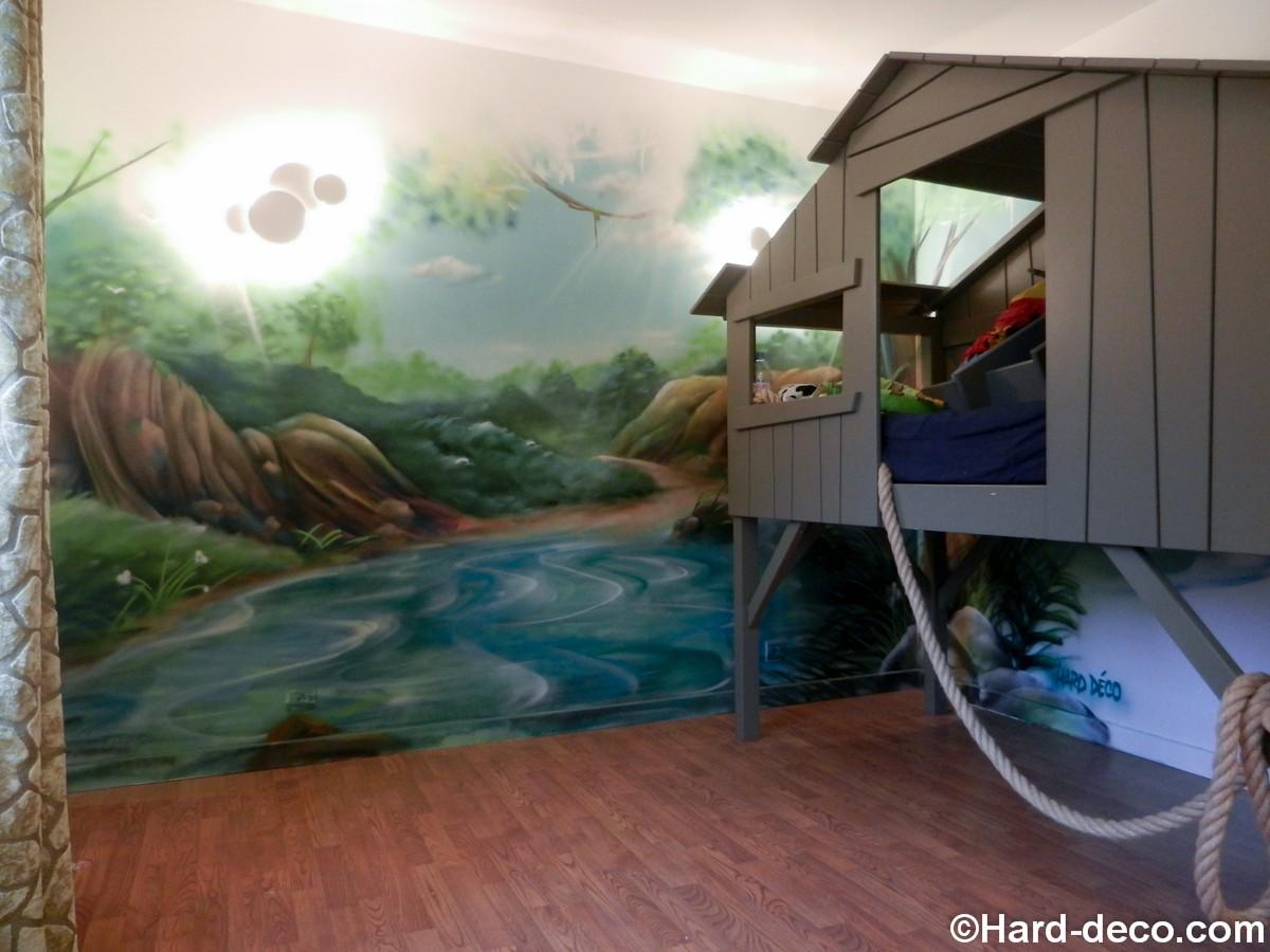 Dcor de jungle et rivire pour une chambre denfant avec sa cabane