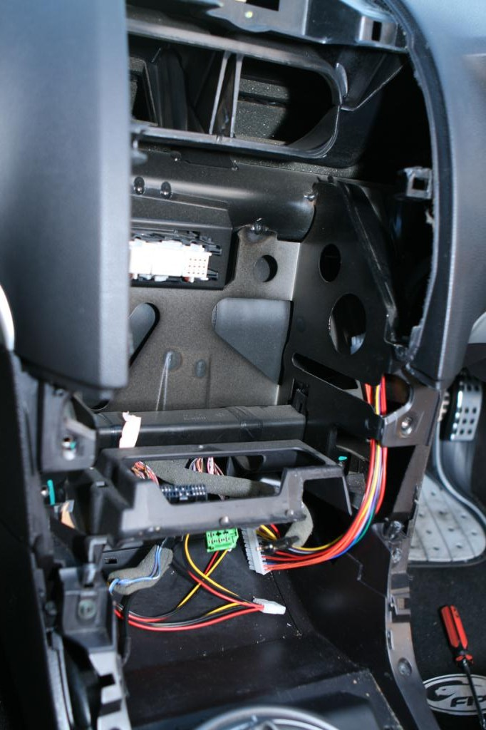 ba xr6 icc wiring diagram basic cardiovascular label ford falcon bf custom carputer guide hard answers do up the screw at top and 4 bolts around to secure it in place before putting 5 plugs back into bottom of