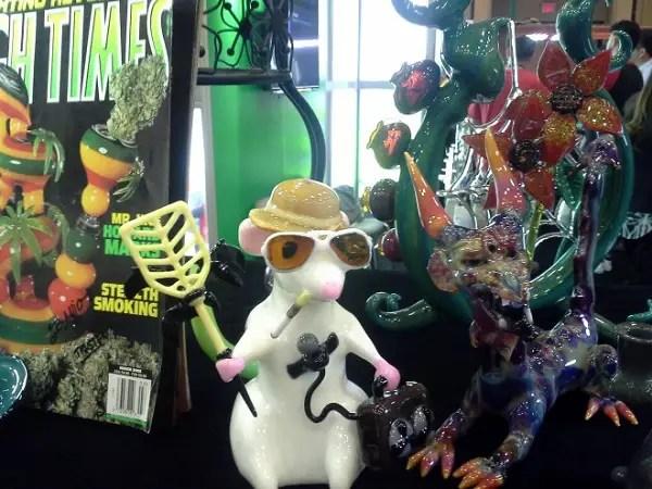 High-Times-Gonzo-Glass-Art-Cannabis-MJBizDaily-Las-Vegas-Rio-2015-660x495