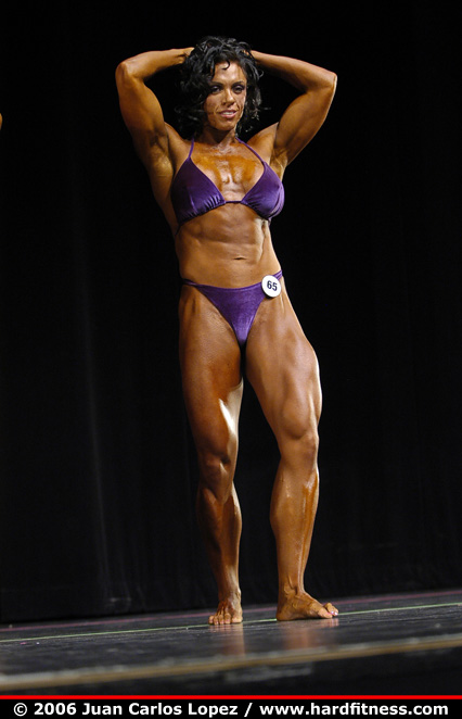 Tatiana Anderson  prejudging  2006 Canadian Bodybuilding