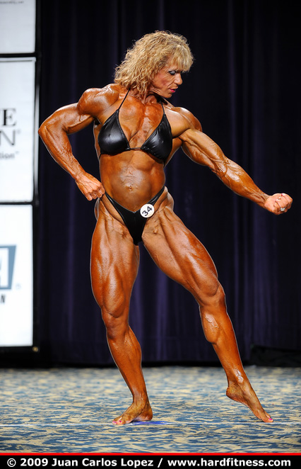 Michelle Brent  prejudging  2009 IFBB North American