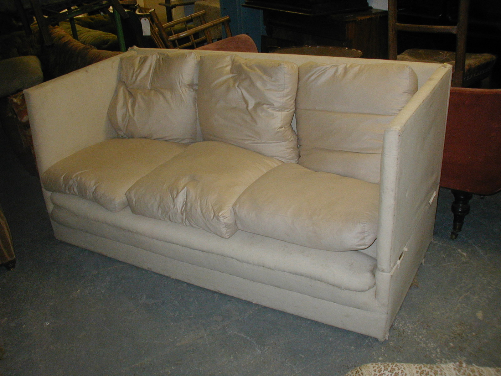 how do you say sofa cama in english sectional sofas havertys antique hares antiques