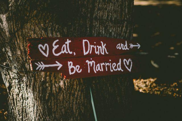 Help! Is Planning A DIY Wedding Really Stressful? BLOG POST