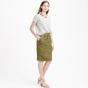Model Rok Span Pendek dengan Kemeja