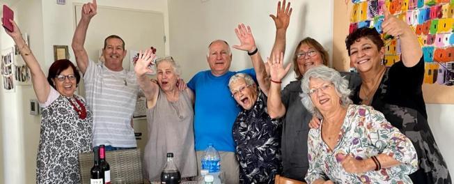 קהילת גמלאים קהילת צבעוני גיל שלישי גיל הזהב