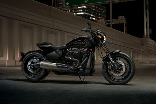 small resolution of parked harley davidson 2019 fxdr motorcycle