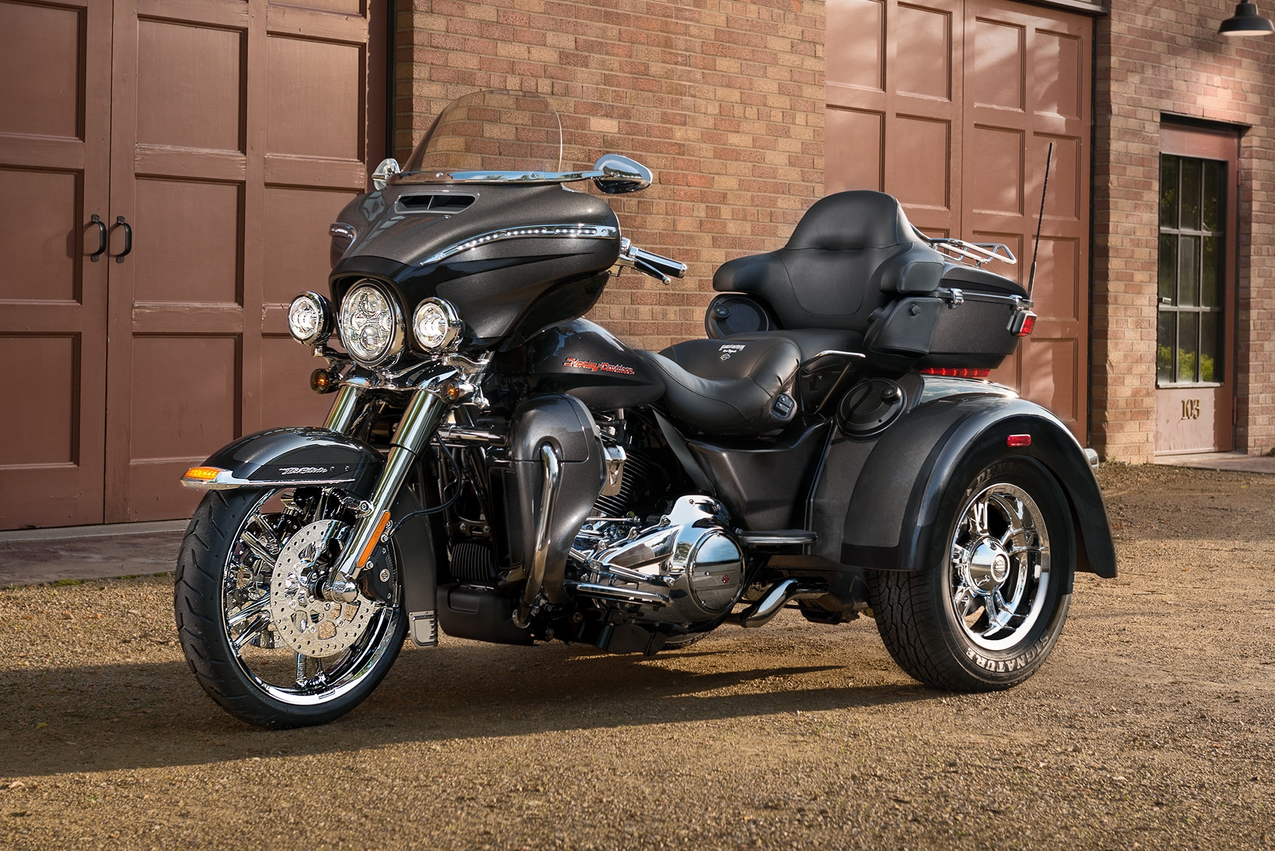 hight resolution of 2019 tri glide ultra motorcycle